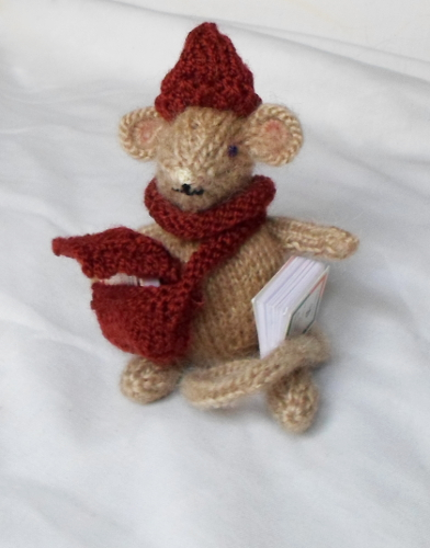 Pattern by Phoeny: Holly the Christmas mouse